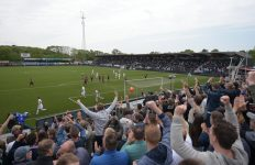 Telstar slaat gunstige eerste slag in play-offspektakel